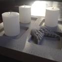 Asztali gyertyatartó, Otthon, lakberendezés, Karácsonyi, adventi apróságok, Karácsonyi dekoráció, Gyertya, mécses, gyertyatartó, Gyertya-, mécseskészítés, 4 gyertya tárolására alkalmas 22x22cm-es asztali beton gyertyatartó., Meska