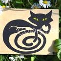 Fekete macska - fa hűtőmágnes 8,5x6,5cm, Dekoráció, Konyhafelszerelés, Otthon, lakberendezés, Hűtőmágnes, Festett tárgyak, Fotó, grafika, rajz, illusztráció, Spirálos farkincájú fekete macska. Örök kedvenc :)  Kézzel festett, egyedi hűtőmágnes rétegelt fa l..., Meska