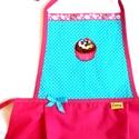Cukorkás muffin-kislány kötény, Konyhafelszerelés, Ruha, divat, cipő, Kötény, Gyerekruha, Varrás, Hímzés, 3-5 éves kislányok részére készítettem ezt a köténykét.  Türkizkék pöttyös és pink pamut vászonból ..., Meska