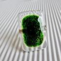 Hegyi tóban lebegő moha üveg gyűrű, üvegékszer, Ékszer, óra, Gyűrű, Ékszerszett, Medál, Ékszerkészítés, Üvegművészet, Moha zölden szikrázó aventurin díszíti ezt az elegáns, csillogó gyűrűt. Hosszúkás formája nyújtja a..., Meska