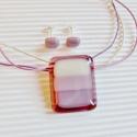 Pillecukor üveg medál és fülbevaló, üvegékszer szett, Ékszer, óra, Medál, Nyaklánc, Ékszerszett, Ékszerkészítés, Üvegművészet, Áttetsző mályva rózsaszín alapon vanília, sápadt rózsaszín és halvány orgona lila árnyalatú csíkok...., Meska