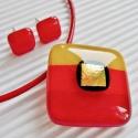 Arany szikra üveg medál és fülbevaló, üvegékszer szett, Ékszer, óra, Medál, Nyaklánc, Ékszerszett, Ékszerkészítés, Üvegművészet, Meggypiros, narancs-piros, és napsárga csíkokból, ragyogó arany színű dichroic díszítéssel olvaszto..., Meska