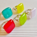 Trendi nyár üveg gyűrű csomag, üvegékszer szett, Ékszer, óra, Ékszerszett, Gyűrű, Ékszerkészítés, Üvegművészet, A legmagasabb minőségű ékszerüvegekből, az idei nyár legdivatosabb színeiben - meggypiros, púderróz..., Meska