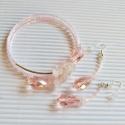 Kristály harmat lógós üveggyöngy fülbevaló, Ékszer, óra, Fülbevaló, Ékszerszett, Ékszerkészítés, Gyöngyfűzés, Rózsaszín üveggyöngyökből és kristályokból fűztem ezt a romantikus fülbevalót. A harmatcsepp formáj..., Meska