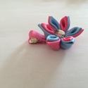 Kanzashi virágos hajcsat (rózsaszín-kék), Ruha, divat, cipő, Hajbavaló, Hajcsat, Mindenmás, Varrás, Ezt az aranyos virágot kanzashi technikával szalagból készítettem, 4,5 cm-es aligátor hajcsatra hel..., Meska