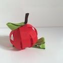 Piros alma hajcsat, Ruha, divat, cipő, Hajbavaló, Hajcsat, Ékszerkészítés, Mindenmás, Ezt az édes almát szalagból készítettem, 4,5 cm-es aligátor hajcsatra helyeztem el.  A hajcsatot sz..., Meska