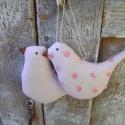Rózsaszín madárpár, Dekoráció, Otthon, lakberendezés, Mindenmás, Baba-mama-gyerek, Varrás, Kis madárpár rózsaszín pamutvászonból készült. Kedves dísze lehet otthonod bármely pontján. Méret:9..., Meska