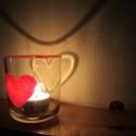 Szivecskés mécsestartó, Otthon, lakberendezés, Gyertya, mécses, gyertyatartó, Festett tárgyak, Gyertya-, mécseskészítés, Ehhez a romantikus mécsestartóhoz egy üvegpoharat használtam, melyre egy szívet festettem. A karimá..., Meska