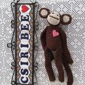 majom horgolt , Baba-mama-gyerek, Játék, Baba játék, Varrás, Horgolás, Kedves horgolt majmóca barna szinben készült. Mellén rózsaszínű filc szivecske. Magassága 29 cm. , Meska