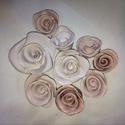 Kerámiarózsák  9 db egy csomagban, Dekoráció, Esküvő, Esküvői dekoráció, Meghívó, ültetőkártya, köszönőajándék, Kerámia, Agyagból készített   rózsák   fáradt rózsaszín, fehér mázzal mázazva. Ez a csomag 9 db , színben ha..., Meska
