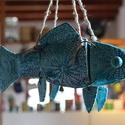 akvamarin hal 3.0, Dekoráció, Képzőművészet, Otthon, lakberendezés, Kerámia, Darabokból összeállított kerámia hal. Az elemeit rusztikus vas karikák fogják össze. Az egész egy v..., Meska