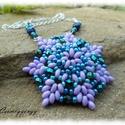 Lila-kék gyöngyös nyaklánc, Ékszer, óra, Medál, Nyaklánc, Ékszerkészítés, Gyöngyfűzés, A medál aapja a lila szuperduó, mely kitűnően mutat a kék árnyalatokkal.  Egyenlőre 40 cm láncra te..., Meska