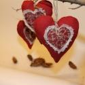 karácsonyi, adventi apróságok.5 db-os Illatos lenvászon szívek., Dekoráció, Ünnepi dekoráció, Karácsonyi, adventi apróságok, Kedves dísze lehet a karácsonyi nappalinak ez a piros lenvászonból készült illatos szív, a nyírfacsi..., Meska