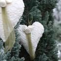 horgolt illatos szívecskék ekrü rózsával  esküvőre, anyák napjára, eljegyzésre, karácsonyra, Dekoráció, Karácsonyi, adventi apróságok, Karácsonyfadísz, Nem csak karácsonyra ajánlom ezeket  az illatos, dekoratív horgolt anyagból készült,3 ekrü rózsával ..., Meska