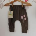 Szövetnadrág bébi nadrág játszós nadrág 80 méret, Ruha, divat, cipő, Gyerekruha, Baba (0-1év), Nagyon kényelmes,divatos és egyedi nadrág nadrágot ajánlok örökmozgó kislányodnak. Az anyagösszetéte..., Meska