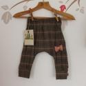Szövetnadrág bébi nadrág kockás játszós nadrág, Ruha, divat, cipő, Gyerekruha, Baba (0-1év), Nagyon kényelmes,divatos és egyedi nadrág nadrágot ajánlok örökmozgó kislányodnak. Az anyagösszetéte..., Meska