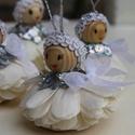 Karácsonyfadísz, karácsonyi függők, karácsonyi ajándék,ezüst angyalka, Dekoráció, Karácsonyi, adventi apróságok, Karácsonyfadísz, Ezek az agyalkák északról jöttek, a jég birodalmából. Szépen csillogó flitter díszüket egyenként rag..., Meska