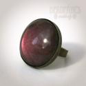 Padlizsán szett - gyűrű és fülbevaló, Ékszer, óra, Gyűrű, Ékszerszett, Fülbevaló, Ékszerkészítés, A gyűrű és a fülbevaló üveglencséjét metál padlizsánlilára festettem és bronz színű alapra rögzítet..., Meska