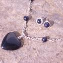 Galaxy star - szívmedálos kék homokkő szett, Ékszer, óra, Ékszerszett, Ékszerkészítés, Egy 2x2cm-es kék homokkő medált függesztettem fel ezüstözött láncra, amit kicsi, 6mm-es gyöngyökkel..., Meska