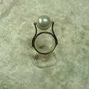 forgó gyöngy, Ékszer, óra, Ékszerszett, Gyűrű, Ékszerkészítés, Ötvös, Ezt a gyűrűt egy szvarovszki gyöngyhöz készítettem ami forog!!!!!!!!!! Fekete gyönggyel is rendelhe..., Meska