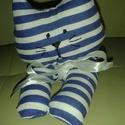 Csíkoska a kiscica, Baba-mama-gyerek, Játék, Gyerekszoba, Plüssállat, rongyjáték, Baba-és bábkészítés, Varrás, Kék - fehér csíkos anyagból készült ez az aranyos kiscica. Arcát fekete fonallal hímeztem.  Kedvenc..., Meska