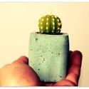 Design mini beton kaspó, Otthon, lakberendezés, Kaspó, virágtartó, váza, korsó, cserép, Szobrászat, Egyedileg készített mini kaspó betonból. Mini élő növényeknek ideális. Irodába, otthonokba tökélete..., Meska