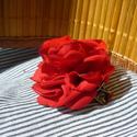 Pipacspiros hajbavaló, Ruha, divat, cipő, Hajbavaló, Hajcsat, Mindenmás, Varrás, Neked is a pipacs pirosa jut eszedbe a nyárról? Viselj piros rózsát a hajadban, hogy közelebb hozd ..., Meska