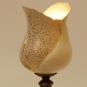 porcelán hangulat lámpa, Otthon, lakberendezés, Lámpa, Hangulatlámpa, Kerámia, Elegáns, polgári jelleget idéző porcelán lámpa réz talppal, kézi arany festéssel. A porcelán búra s..., Meska