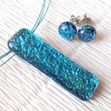 Exkluzív  kék üvegékszer szett, szalagavató bálra, névnapra, születésnapra., Ékszer, óra, Ékszerszett, Nyaklánc, Medál, Ékszerkészítés, Üvegművészet, Fusing technikával készült  medál és fülbevaló. Fekete alapon kék exkluzív tükrös bevonatú dichroic..., Meska