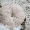 Kerek párna, Otthon, lakberendezés, Lakástextil, Párna, Varrás, Igényes pamut puplin textilből készült párna, melynek különlegessége selymes, finom tapintása.  A p..., Meska