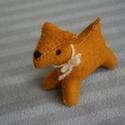 Filc foxi kutya narancs, Baba-mama-gyerek, Játék, Játékfigura, Varrás, Nemezelés, Nagyon jó minőségű gyapjúfilcből készült, kézzel varrt, apró kis kutyus.   Gyapjú szemű, gyapjú orr..., Meska