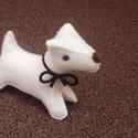 Filc foxi kutya fehér, Baba-mama-gyerek, Játék, Játékfigura, Varrás, Nemezelés, Nagyon jó minőségű gyapjúfilcből készült, kézzel varrt, apró kis kutyus.   Gyapjú szemű, gyapjú orr..., Meska