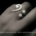Egyedi ezüst basszuskulcs gyűrű, Ékszer, óra, Gyűrű, Ezt a különleges ékszer a mosoly gyűrű ihlette, nagyon hasonlít is hozzá, csak itt a mosolygós száj ..., Meska