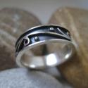 Különleges indás ezüst gyűrű, Ékszer, óra, Gyűrű, Ez a különleges gyűrű a múlt héten született meg a műhelyemben. Érdekességét az adja, hogy a mester..., Meska