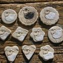 Báránykás apróságok, Dekoráció, Ünnepi dekoráció, Húsvéti apróságok, Kerámia, Fehérre égő agyagból készítettem ezeket a báránykás kerámiákat.. A színük halvány,matt,kopott hatás..., Meska