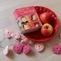 Kisszíves - Lili, Baba-mama-gyerek, Dekoráció, Gyerekszoba, Mobildísz, függődísz, Horgolás, Beltéri LED égősor saját készítésű halvány rózsaszín és pink horgolt szívekkel. A füzér 10 db, Kiss..., Meska
