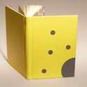 Műbőr üres könyv, napló, vendégkönyv, emlékkönyv sima lapokkal. Citromsárga műbőr, szürke vászon, Naptár, képeslap, album, Jegyzetfüzet, napló, Műbőr üres könyv, napló, vendégkönyv, emlékkönyv sima lapokkal.   A kemény könyvborító szürke vászon..., Meska