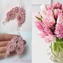 Spring - sujtás fülbevaló rózsaszínű, Ékszer, óra, Esküvő, Fülbevaló, Esküvői ékszer, Ékszerkészítés, Nagyon szép púder rózsaszínű table cut gyöngyöt, ekrü teklagyöngyöket, csodaszép világoslila üvegte..., Meska