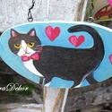 Szerelmes cica-KARÁCSONYRA, Dekoráció, Baba-mama-gyerek, Karácsonyi, adventi apróságok, Ünnepi dekoráció, Festett kép  fa  táblára festve. Szerencsét hozó fekete cica karácsonyra. Cica és szívek.   Mérete k..., Meska