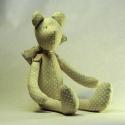 Pöttyös  mackó , Játék, Játékfigura, Varrás,  Kezét, lábát lehet mozgatni, így stabilan ültethető. Mérete: 32 cm., Meska