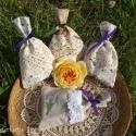 Virágmintás textil ajándékzsák, szappanzsák szett, Dekoráció, Karácsonyi, adventi apróságok, Ünnepi dekoráció, Ajándékzsák, Virágmintás pamutvászonból varrott, gyönyörű csipkével díszített, szaténszalaggal átköthető, négy da..., Meska