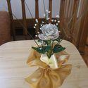 Rózsaszál gyöngyből, Dekoráció, Otthon, lakberendezés, Dísz, Gyöngyfűzés, Virágkötés, Kása gyöngyből készült rózsa, szintén gyöngyből készült rezgőkkel!  Virág, ami sosem hervad el!  Ke..., Meska