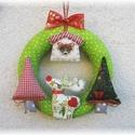 Karácsonyi ajtódísz - Rénszarvassal, fenyőfákkal, Dekoráció, Karácsonyi, adventi apróságok, Ünnepi dekoráció, Karácsonyi dekoráció, Varrás, Mindenmás, Cuki karácsonyi ajtódísz színes karácsony mintás pamutvászonból készült  rénszarvassal, fenyőfákkal..., Meska