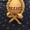 Masnis tojás, Otthon, lakberendezés, Dekoráció, Húsvéti apróságok, Ünnepi dekoráció, Fonás (csuhé, gyékény, stb.), Kifújt tojás köré, festett szalmából csipkés fonat és hagyományos technikával készült hengerfonat. ..., Meska