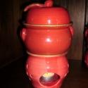 Almasütő ---- 4 db, Dekoráció, Konyhafelszerelés, Otthon, lakberendezés, Lámpa, Kerámia, Mindenmás, 4 darab piros színű aranyszegélyes almasütő.  Recept:  1 teamécses szükséges az alma megsütéséhez. ..., Meska