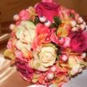 Rózsa-Hortenzia Kerek Csokor esküvőre,ballagásra, Esküvő, Esküvői csokor, Virágkötés, Hortenzia-rózsa és dércsípte hóbogyó alkotja a csokrot kevés eukaliptusz díszítéssel. Az alapja egy..., Meska