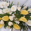 Pillangó, Dekoráció, Mindenmás, Dísz, Virágkötés, Pálmaágas csokor kálával, rózsával és orchideával. Hóbogyó és eukaliptusz egészíti ki. Nyújtott form..., Meska