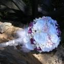 Csillogó Jogarcsokor tartós rózsával esküvőre, Esküvő, Esküvői csokor, Esküvői dekoráció, Hajdísz, ruhadísz, Virágkötés, Varrás, Hófehér,tört fehér és mályva színekben pompázik,strasszos csillogás teszi előkelővé ezt a jogarcsok..., Meska