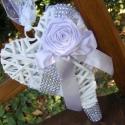 Akció!   Romantika ajtódísz, Esküvő, Dekoráció, Virágkötés, Varrás, Fehér vesszőszív halvány lila rózsával egy kis strasszos csillogással igazi romantikus hangulatot t..., Meska