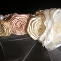 Menyasszonyi Fejdísz Vintage Rózsák, Esküvő, Hajdísz, ruhadísz, Esküvői ékszer, Menyasszonyi ruha, Virágkötés, Varrás, Szatén rózsák gyönggyel és csipkével,leheletnyi fátyollal. Vintage hangulat krém és barackszín virá..., Meska